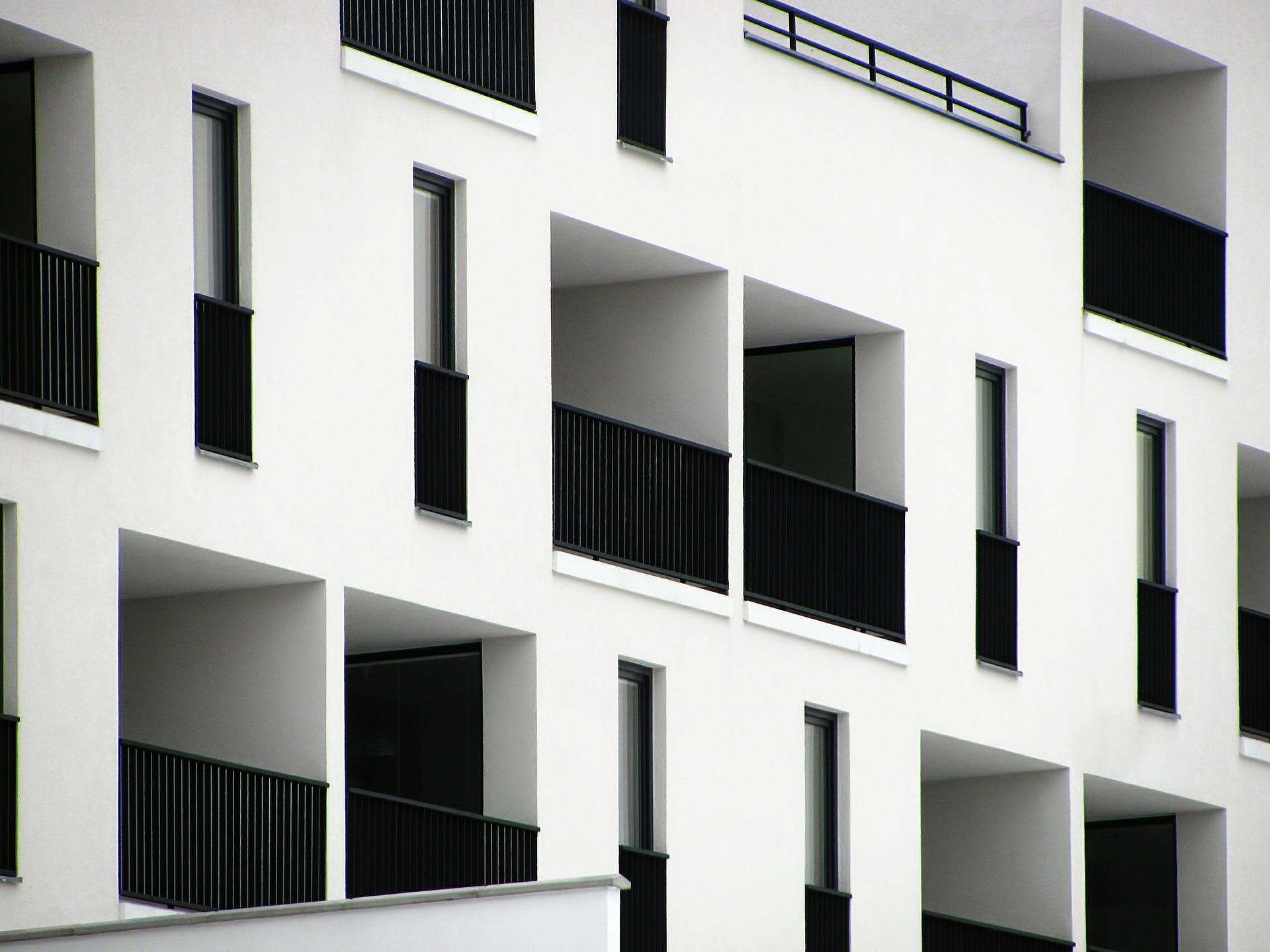 appartement avec balcon et garde corps